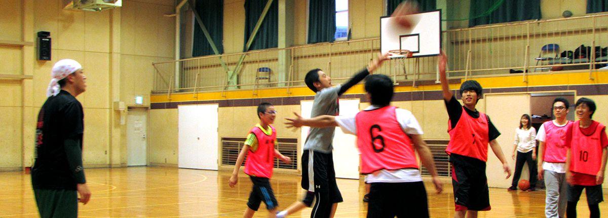 体育室では学生から社会人まで楽しめるスポーツイベントも☆